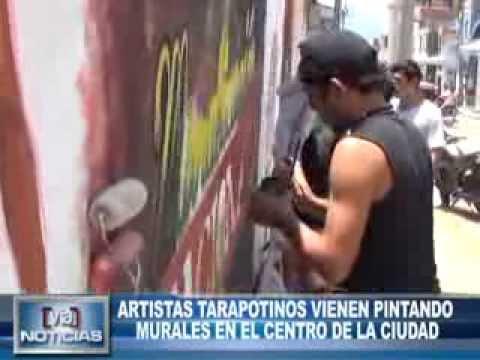 ARTISTAS TARAPOTINOS VIENEN PINTANDO MURALES EN EL CENTRO DE LA CIUDAD