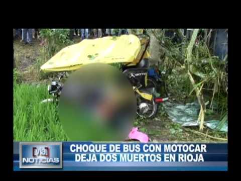 Bus embiste a motocar y deja dos muertos