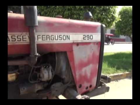 Choque entre tractor y motokar deja daños materiales