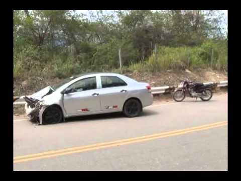 Triple choque de vehículos deja dos heridos en sector abra