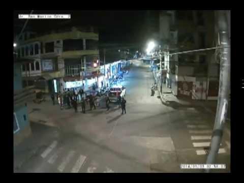 Choque de moto policial con motocar deja dos heridos