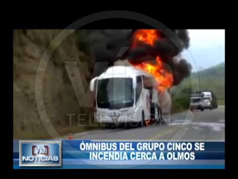 Bus del Grupo 5 quedó calcinado en la carretera FBT cerca de Olmos