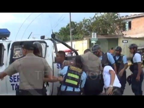 """Barrista de la """"U"""" casi agarra a botellazos a serenos y policías"""