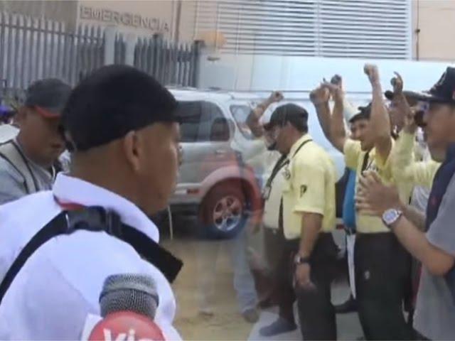 Supervisor de 'Halcones security' agrede a reporteros