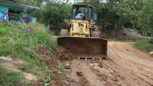 Realizan mejoras en vías de Villa Autónoma