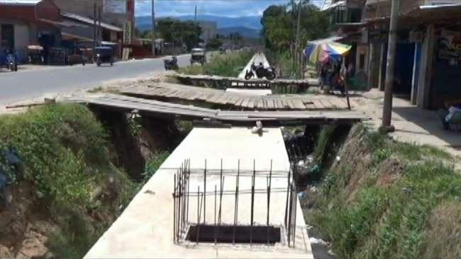 Vecinos preocupados por paralización de obra en el Jr. Alfonso Ugarte