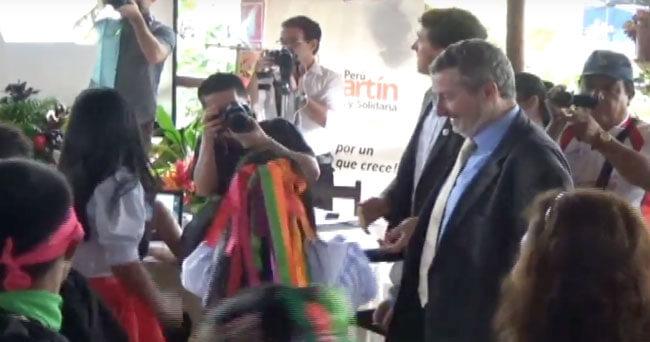 Embajador de Bélgica disfruta de la pandilla Lameña