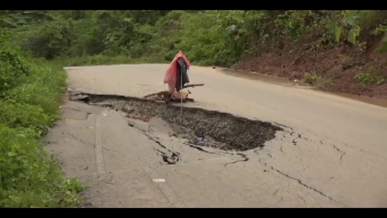 Carretera Puente Colombia – Chazuta colapsa cada día