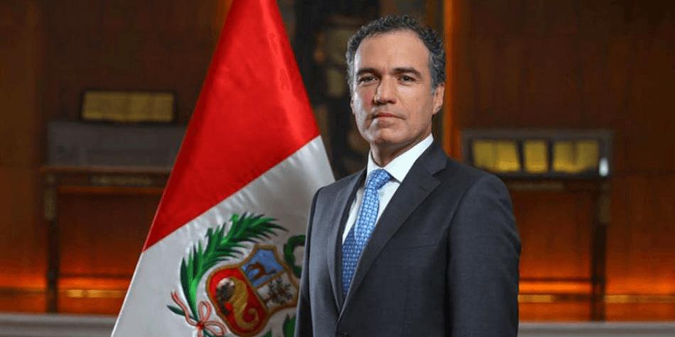 Salvador del Solar reemplaza a César Villanueva y será el nuevo presidente del CM