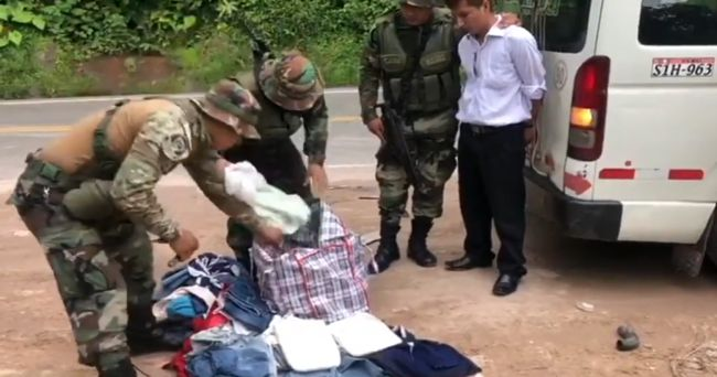 Detienen a un hombre y una mujer transportando cerca de 8 kg de PBC