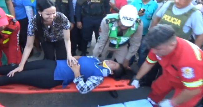 Motociclista resulta herida en accidente de tránsito
