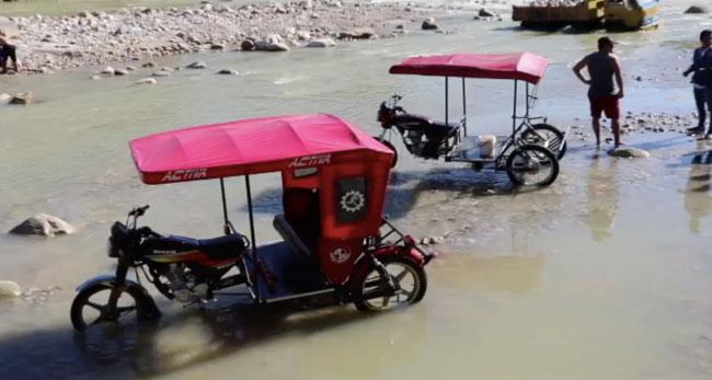Multan a mototaxistas que siguen lavando sus unidades en el río Cumbaza