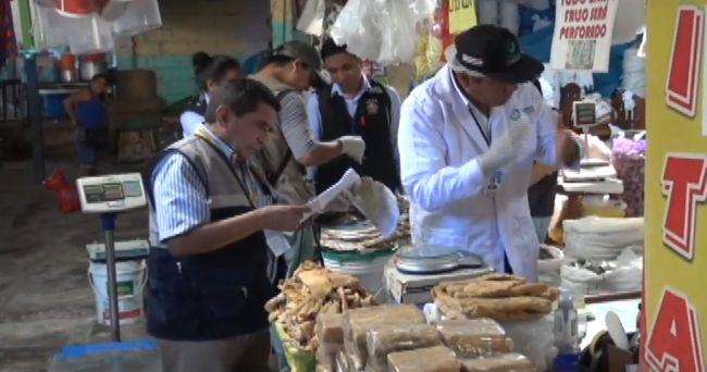 Tarapoto: inspeccionan locales de venta de pescado fresco y salado