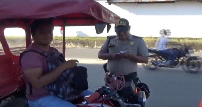 Fiscalización y policía imponen papeletas a mototaxistas informales