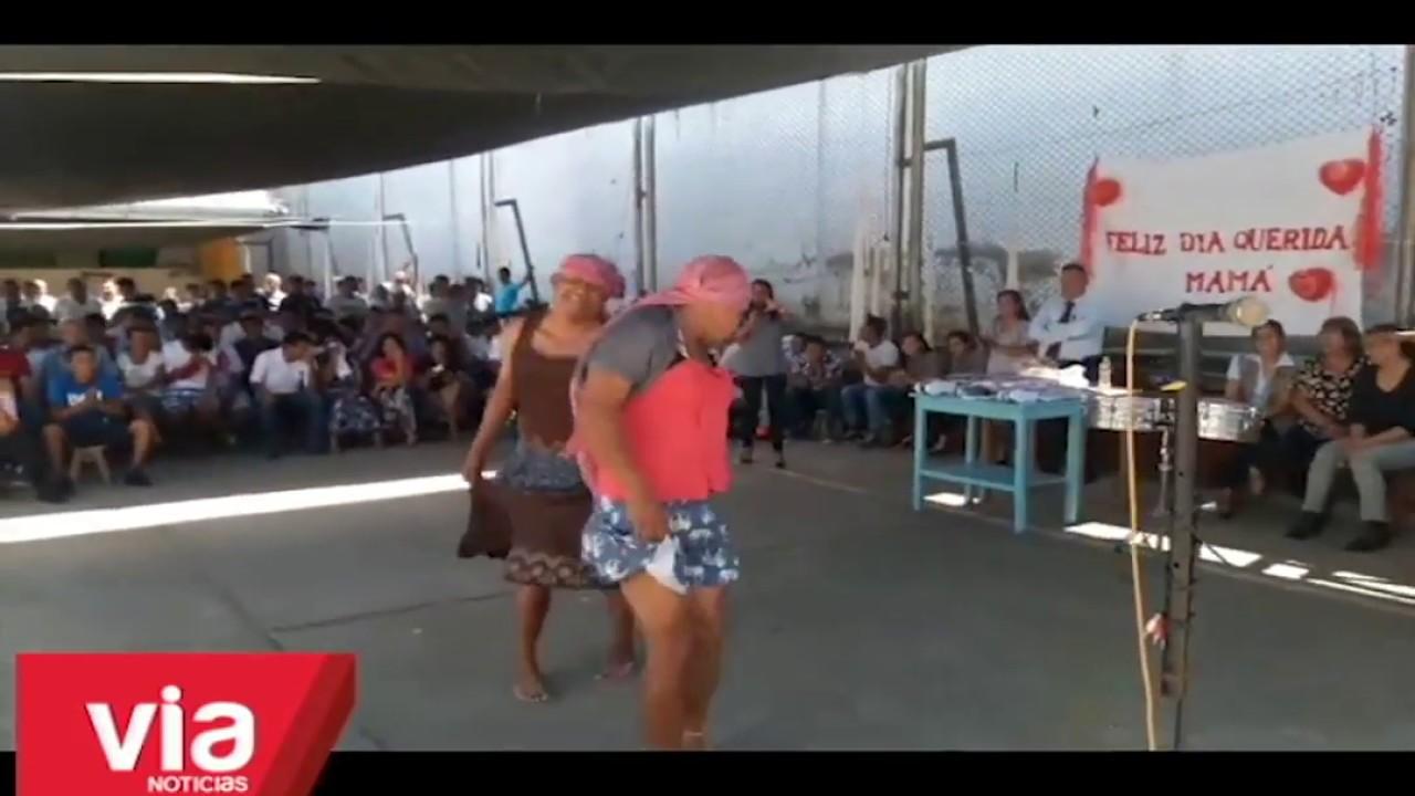 Internos del penal de Tarapoto agasajan a las madres por su día