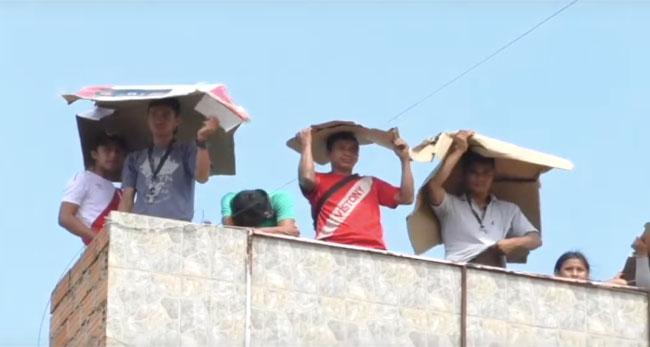 Tarapoto: vecinos se ingenian para apreciar desfile militar en Av. La Peruanidad