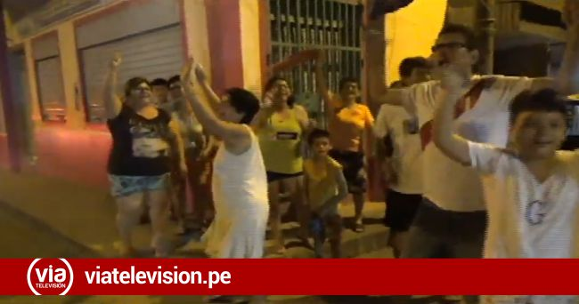 Población tarapotina salió en  caravana tras triunfo de Perú ante Chile