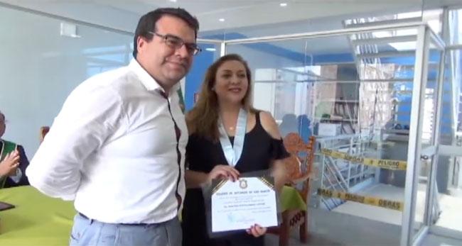 Notarios de San Martín reconocen a decana del colegio de abogados de Lima
