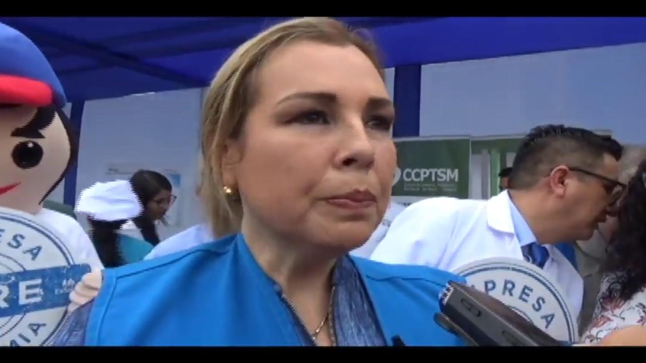 Presidenta de EsSalud no supo responder sobre reclamos de pacientes