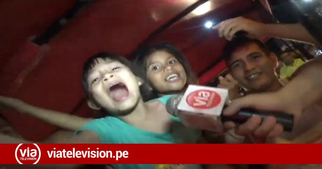 Población Tarapotina celebra en caravana triunfo de la selección peruana de fútbol
