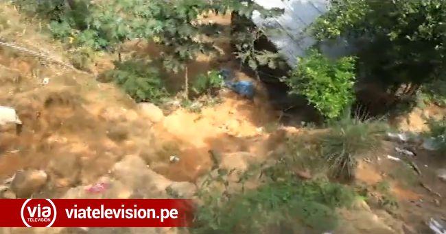 Defensa civil inspecciona  zonas de hundimiento de tierra
