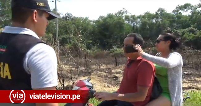 Intervienen a policía hablando por celular mientras conducía su motocicleta