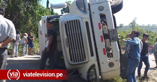 Tráiler cargado con cemento se despista en carretera Fernando Belaúnde Terry
