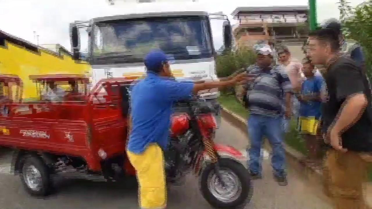 Altercado entre extranjero y conductor de camión ocasiona congestión vehicular