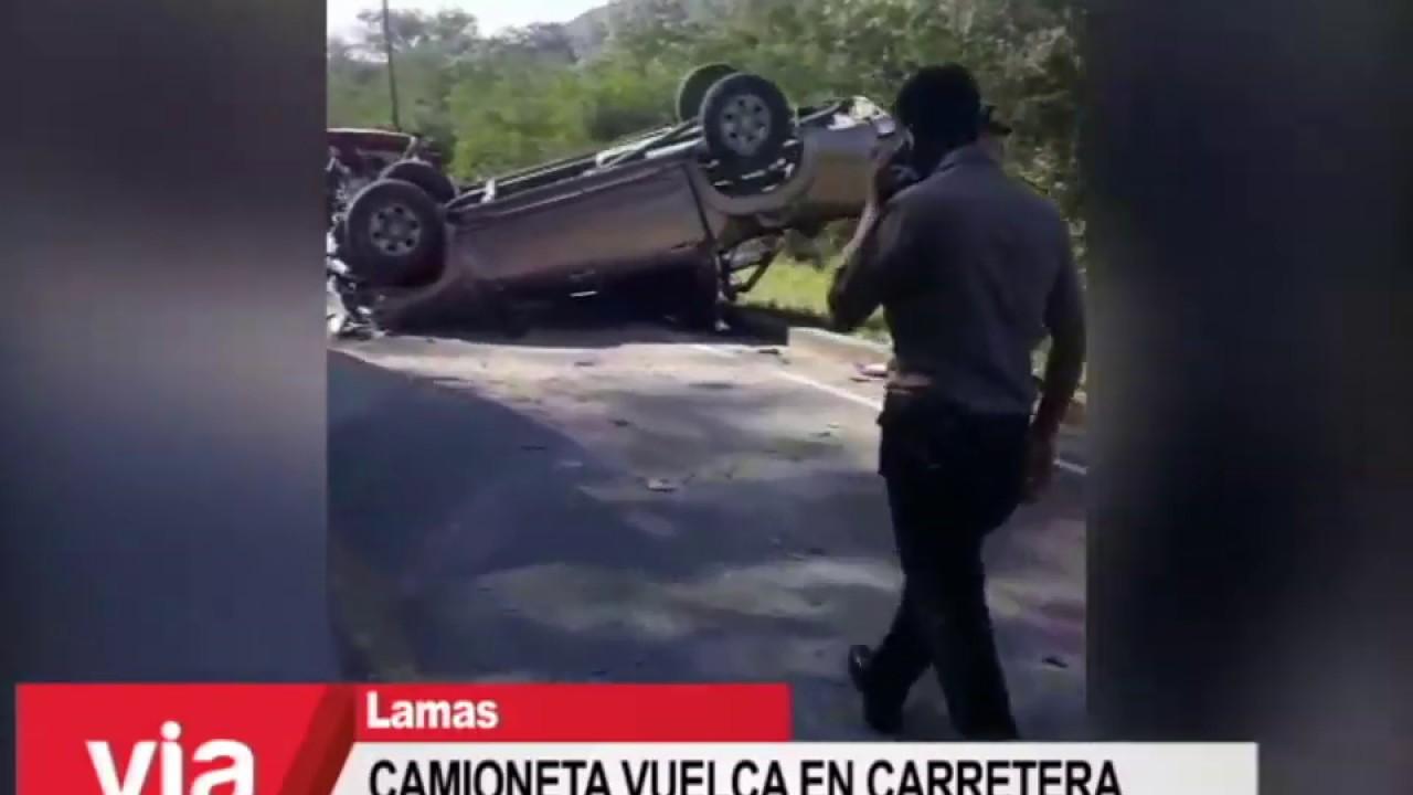 Camioneta vuelca en carretera Fernando Belaúnde Terry