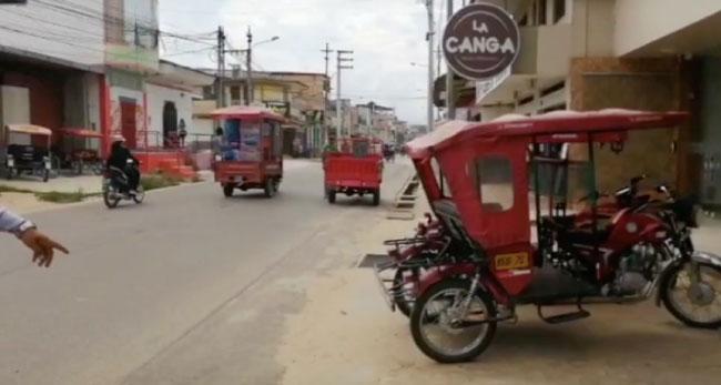 Vehículos estacionados en veredas son internados en depósito municipal
