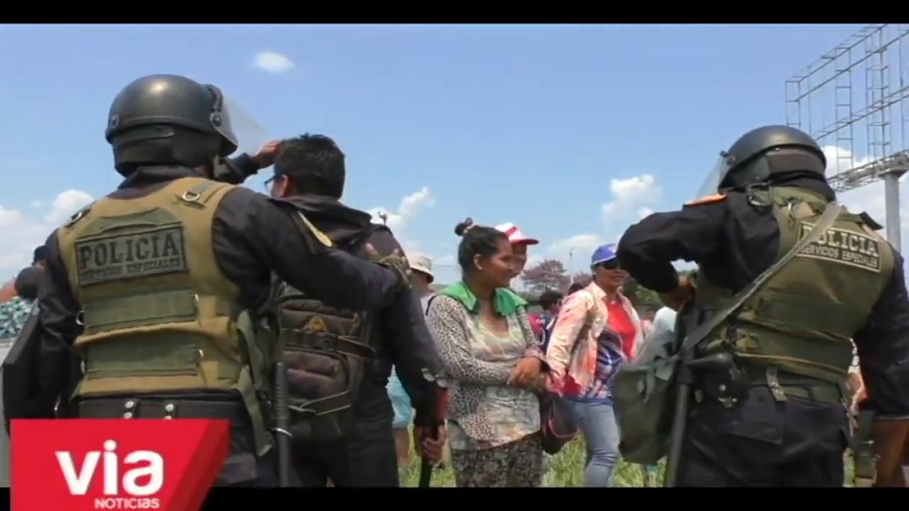 Policía desaloja a invasores de terreno del grupo Romero