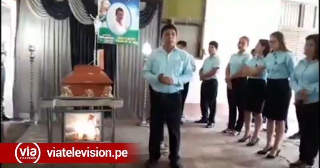 Profesores rinden homenaje a docente que falleció en accidente de tránsito