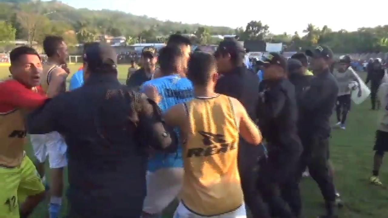 Sentencian a futbolista por agredir a policía durante encuentro por la Copa Perú