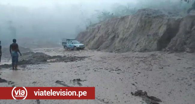 Torrencial lluvia afecta km 38 de la carretera a San José de Sisa