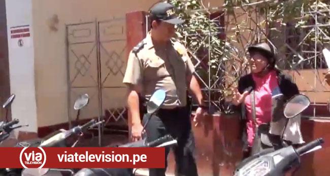 Mujer denuncia que intentaron averiar su moto por estacionarse en el Jr. Maynas
