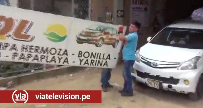 Retiran paneles publicitarios de empresas de transportes en La Banda de Shilcayo