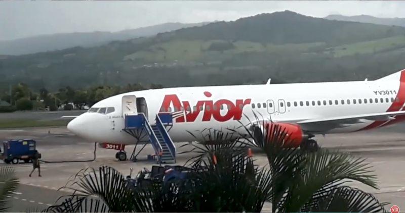 Por falla mecánica avión venezolano aterriza en el aeropuerto peruano