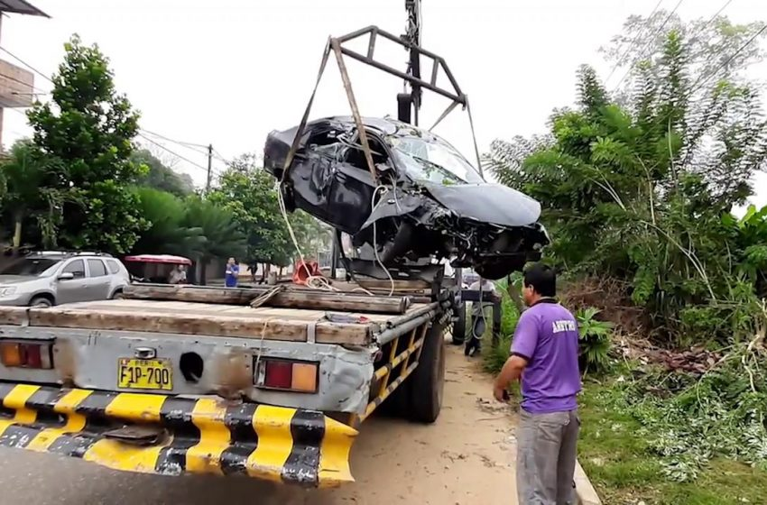 Tarapoto: auto queda con daños materiales de consideración tras despiste
