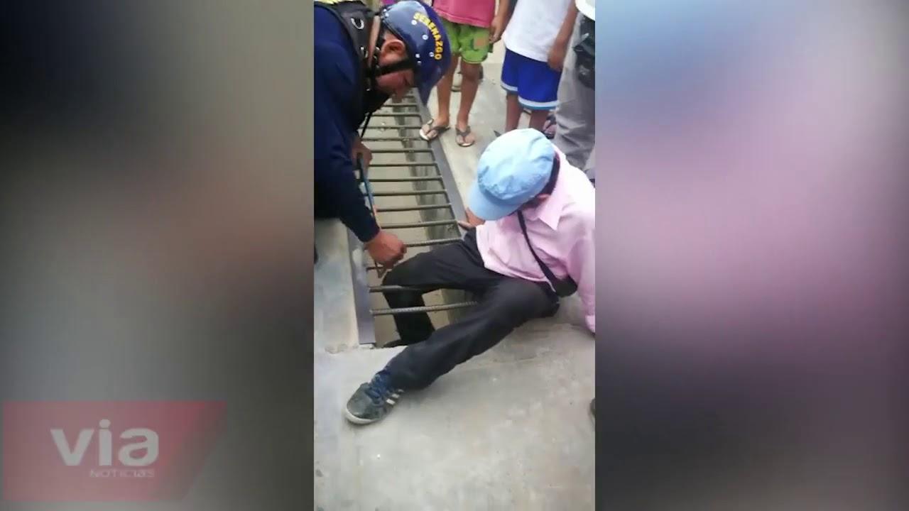 Tarapoto: rescatan a mototaxista que quedó con la pierna atrapada