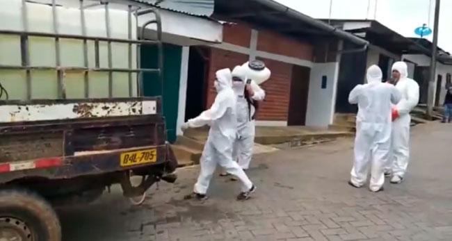 Lamas: desinfectan viviendas y calles  para prevenir COVID – 19