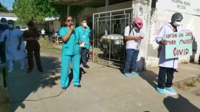 Personal de salud compra sus propios implementos por desatención del GORESAM