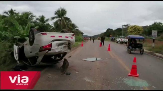 Picota:  despiste y volcadura de auto deja tres heridos
