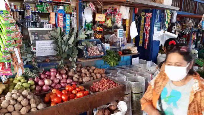 Poca afluencia de personas preocupa a comerciantes del mercado bandino