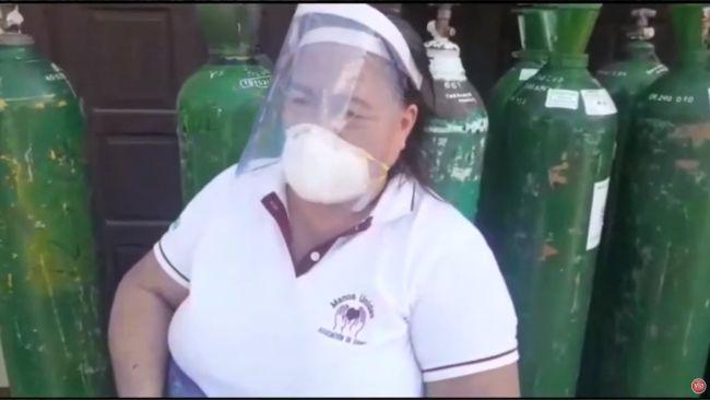 Tarapoto: entregan 16 balones de oxígeno a las integrantes de Manos Unidas