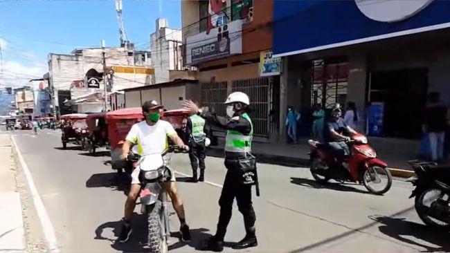 En operativos de tránsito detectan licencias de conducir falsas en motociclistas