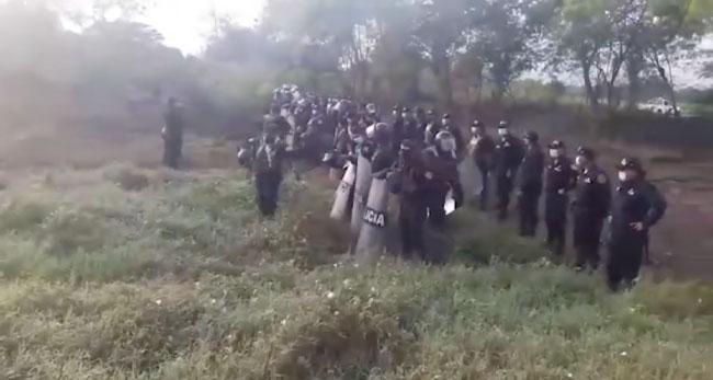 Desalojan a familias que invadieron 5 has. de terreno del estado