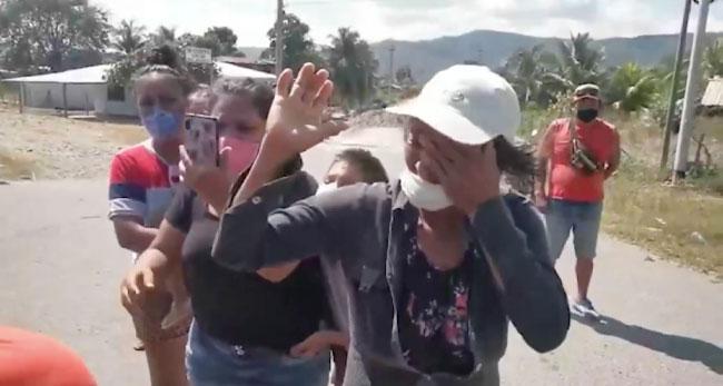 """Cientos de seguidores  recibieron a """"Tulín Trigozo"""" en la carretera"""