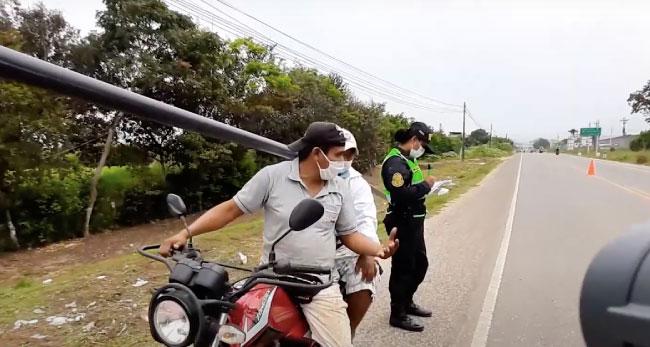 Policía de tránsito ejecuta operativo en carretera Fernando Belaúnde Terry