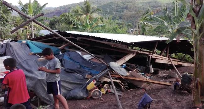 Tabalosos: vivienda se viene abajo a consecuencia de torrencial lluvia