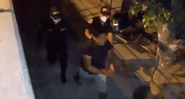 Intervienen a presunto agresor de una mujer  que se encontraba con su hijo en brazos